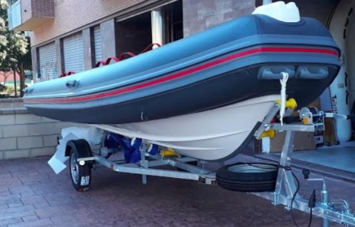 TWISTER BOATS SILVER 520. [3]