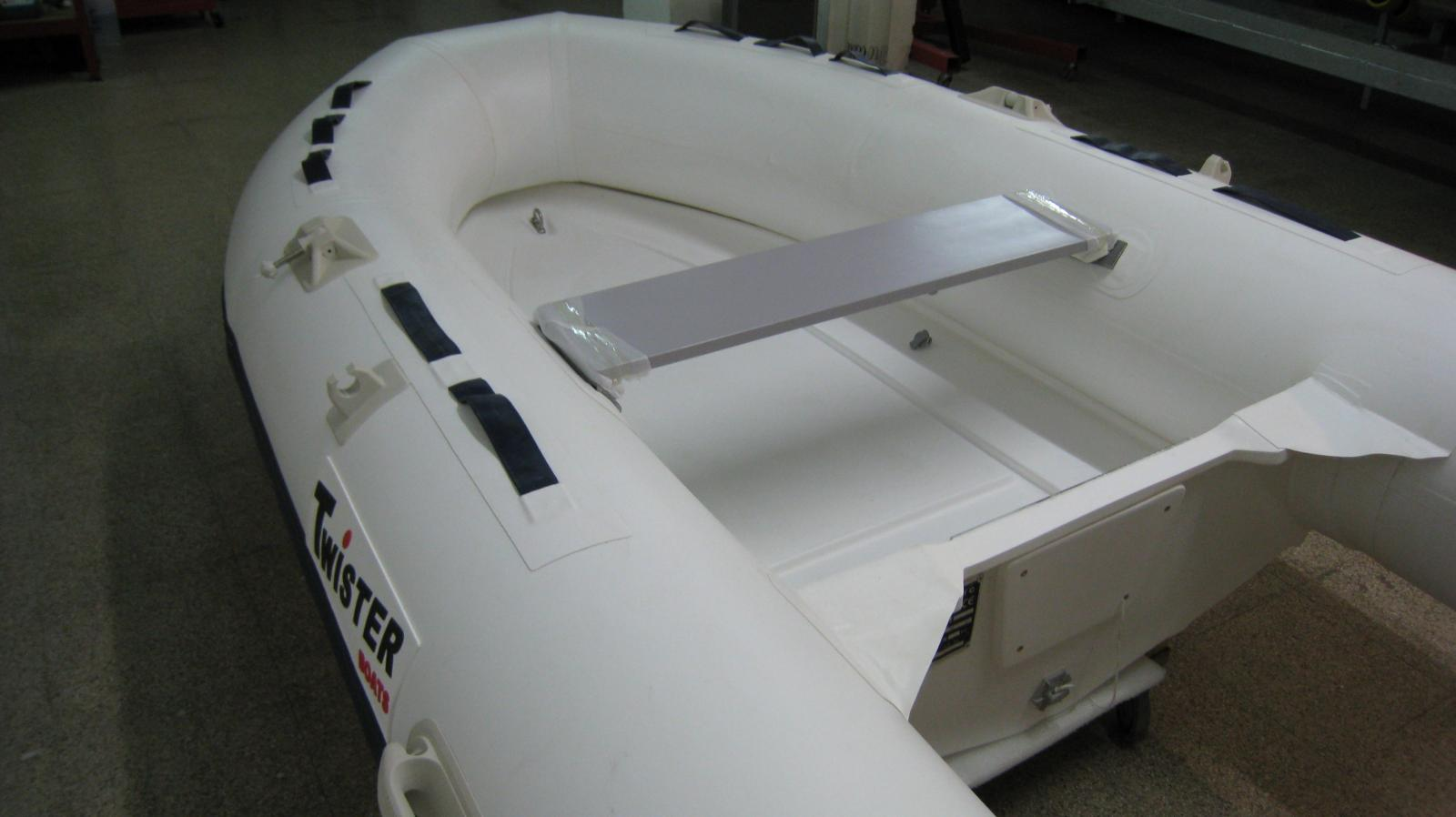 TWISTER RIB 270 + SUZUKI DF 6 AS