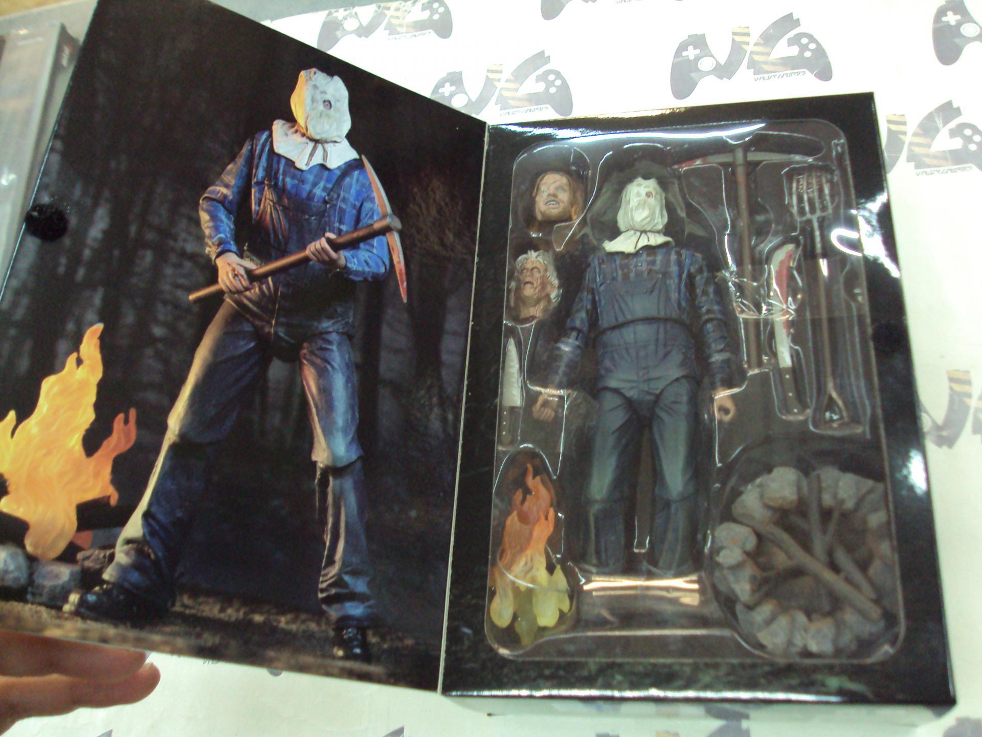 Friday the 13th parte 2 Ultimate Jason figura - NUEVA