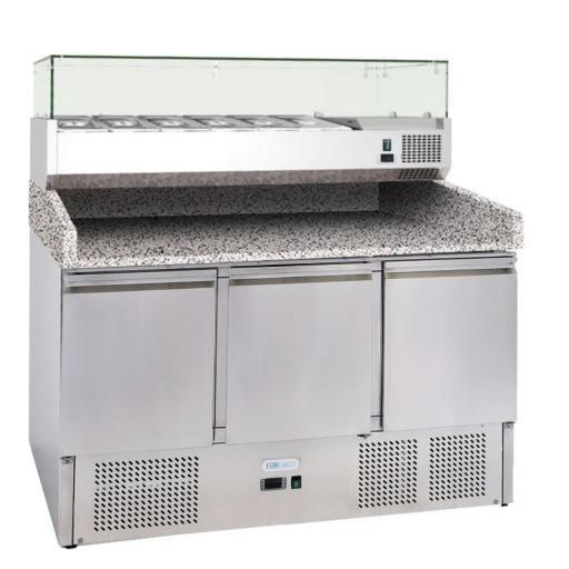 mesa refrigerada de ingredientes con encimera de mármol
