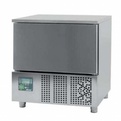 Abatidor de temperatura Mixto de 5 bandejas GN1/1 o 60x40cm Línea Córdoba CR051