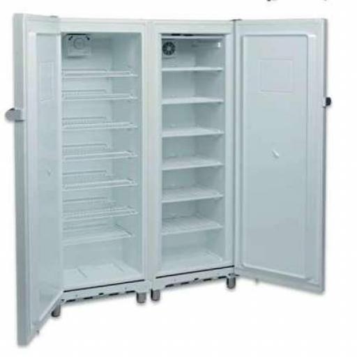 Armario refrigerado Snack Mixto 700L. lacado blanco de 2 puertas, una de frío y otra de congelación Aveiro KITCF350PRO