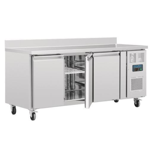 Mostrador frigorífico 3 puertas 417 litros 700mm. de fondo con peto Polar DL915