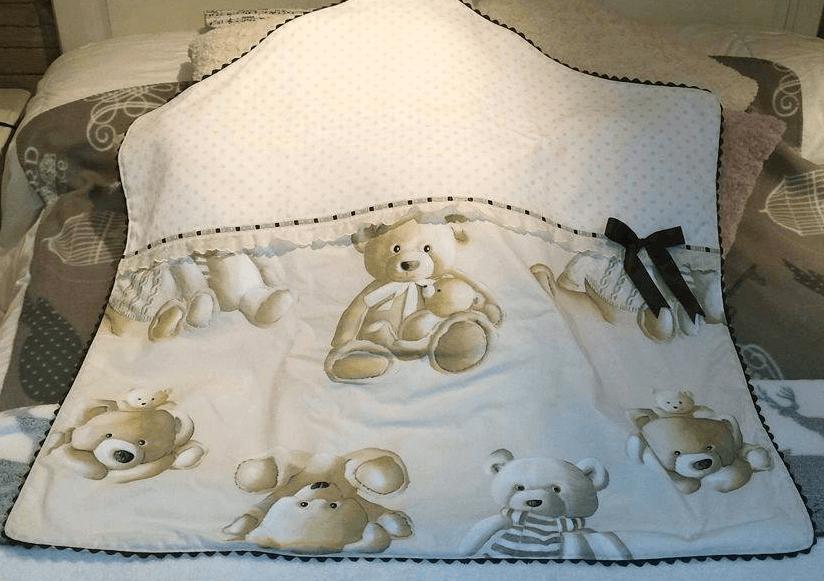 Arrullo bebé realizado con tela de ositos