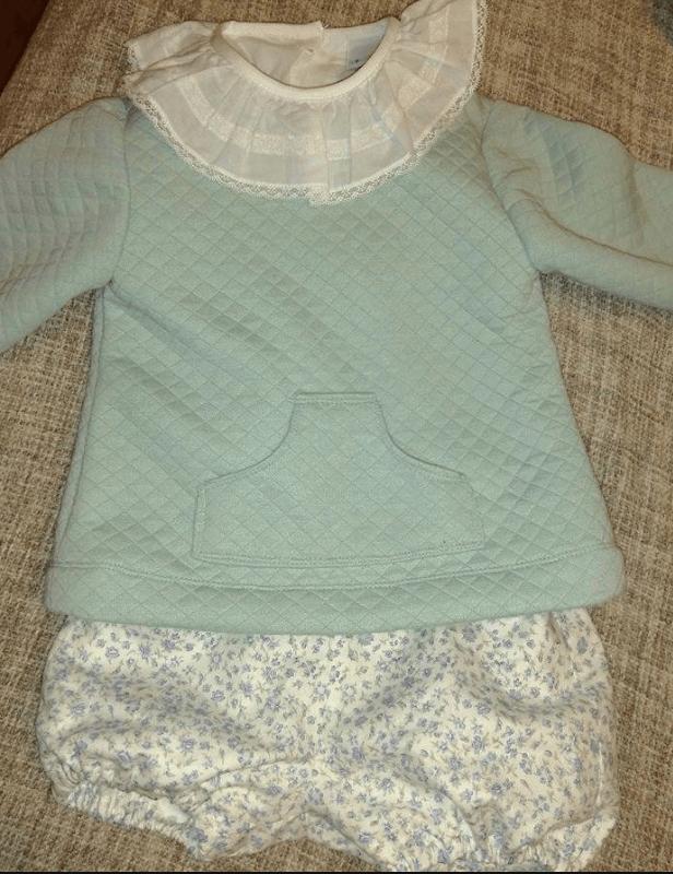 Trajecito bebé con tejido de sudadera y tela de algodón