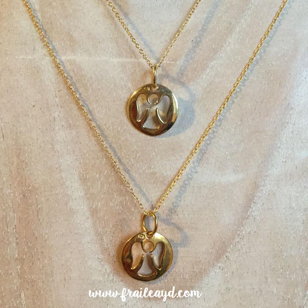 Colgante medalla angelito calado con cadena plata chapada oro
