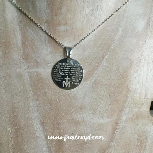 Medalla Avemaría grabado con cadena plata [2]