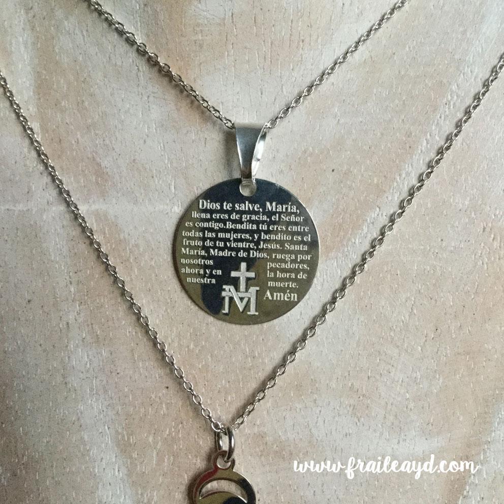 Medalla Avemaría grabado con cadena plata