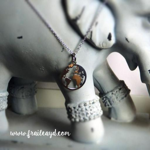 Colgante mundo con cadena plata [2]