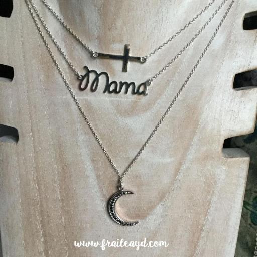 Colgante palabra mamá con cadena plata [2]