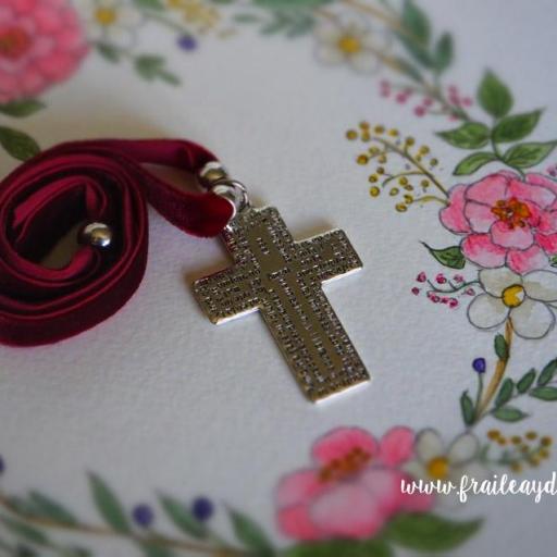Garagantilla terciopelo cruz Padrenuestro