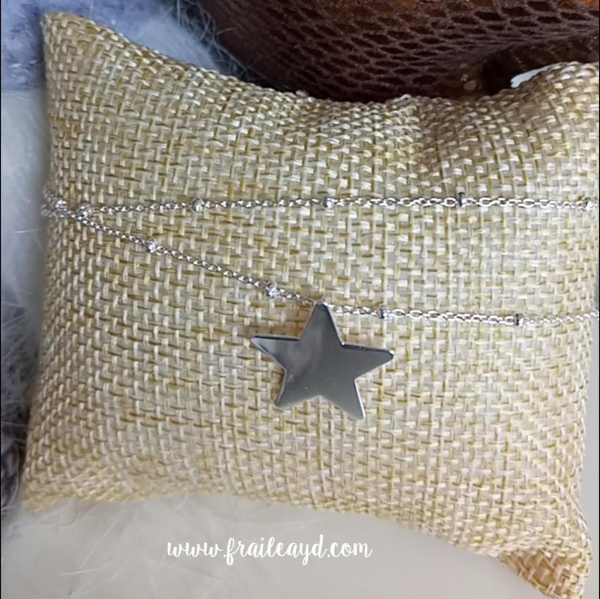 Colgante estrella con cadena plata con bolitas