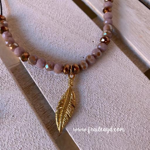 Gargantilla cristal y pluma oro [1]