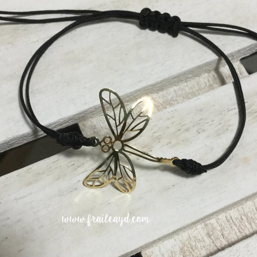 Pulsera libélula oro macramé