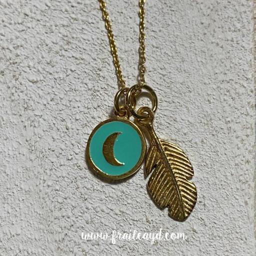 Colgante pluma y luna plata chapada oro y esmalte [1]
