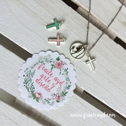 Medalla Virgen Rezando 2 con cruz y cadena plata con bolitas