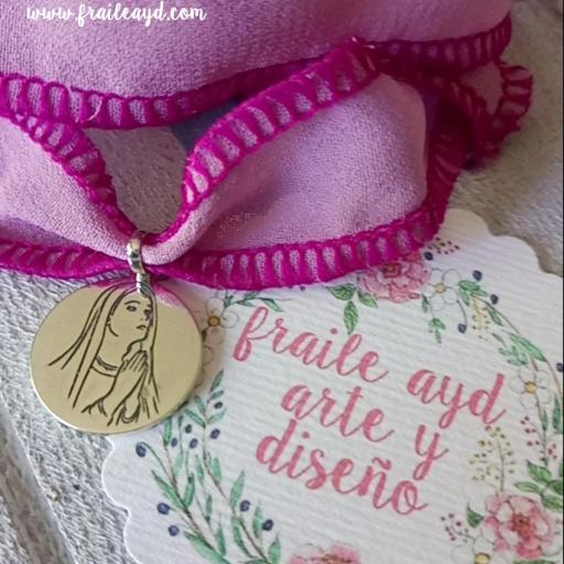 """""""Es la hora del Ángelus"""" medalla Virgen rezando plata [2]"""
