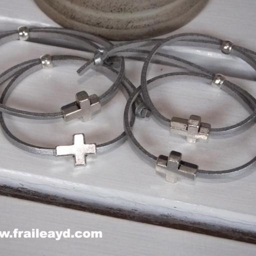 Pack 25 pulseras antelina cruz pasante en bolsa de gasa  [3]