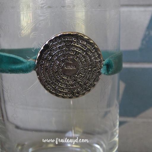 Pulsera terciopelo elástico medalla redonda Padrenuestro
