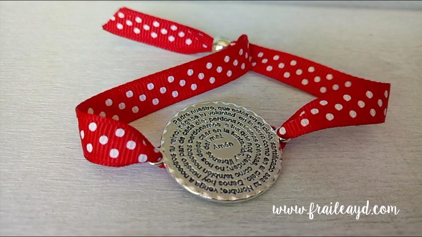 Pulsera de cinta topos con medalla redonda Padrenuestro