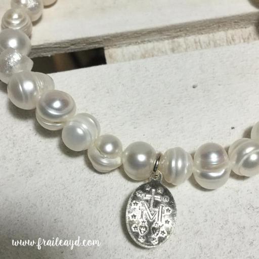 Pulsera perlas con medalla virgen milagrosa plata [2]