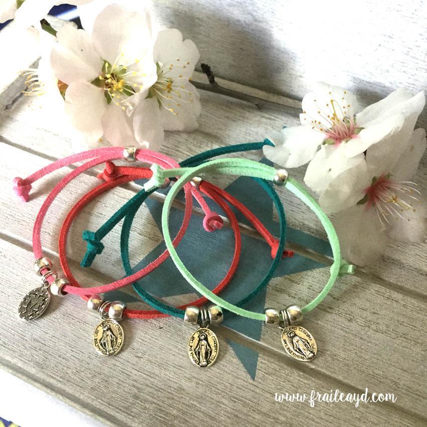 Pack 10 pulseras antelina medalla milagrosa mini en bolsa de lino/saco con etiqueta personalizada