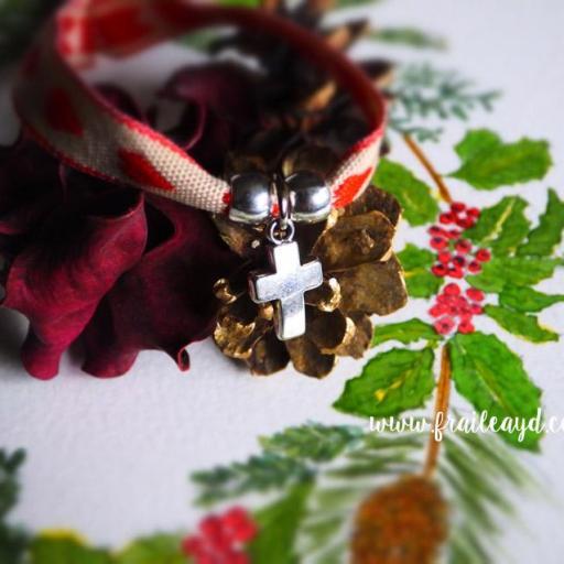 Pulsera cinta corazones rojos cruz [3]