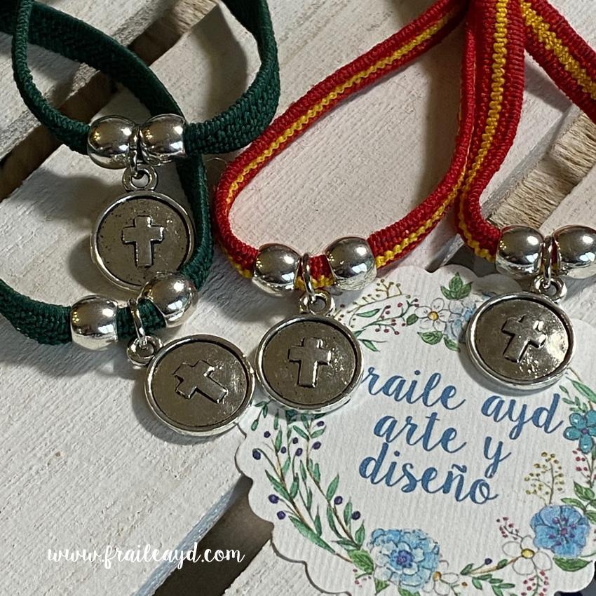 Pack 10 Pulseras elásticas verde o España medalla cruz relieve