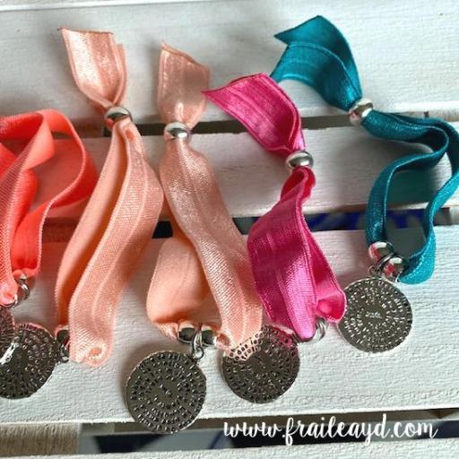 Pack 25 pulseras elásticas medalla Avemaría [3]