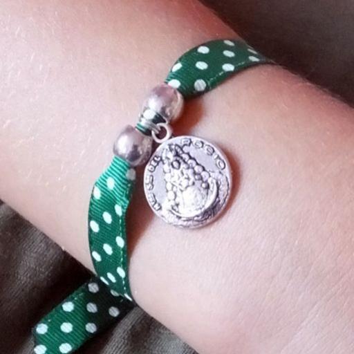 Pulsera cinta de lunares verdes medalla Virgen del Rocío pequeña [1]