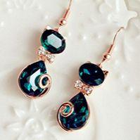 Pendientes en forma de gato color esmeralda cristal de Rhinestone