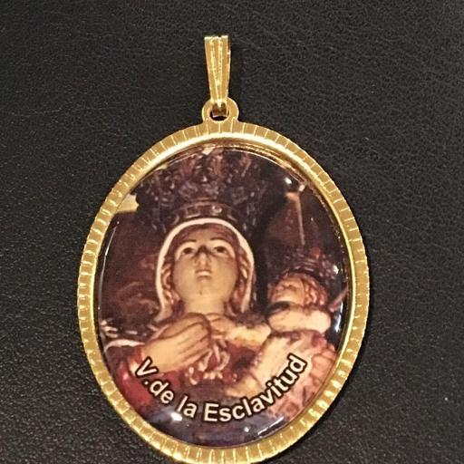 Virgen De La Esclavidud Medalla 3,5 cm.