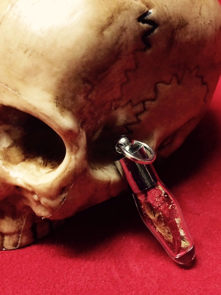 Poderoso amuleto Raiz Mandragora colgante
