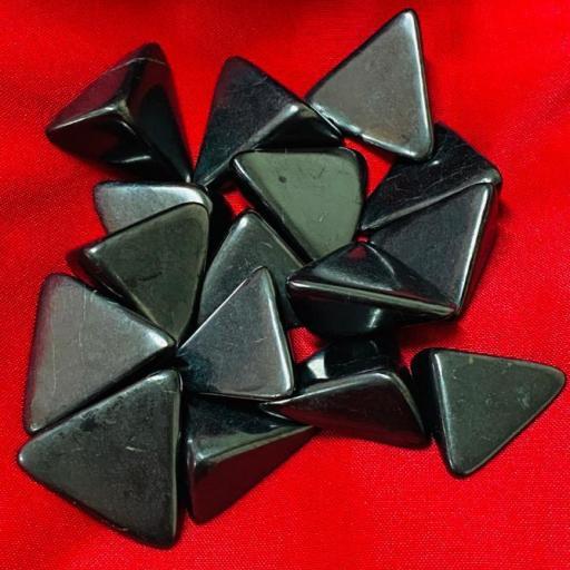 X 1 SHUNGIT- SHUNGITA RODADO FORMA 4 CM  APROX.