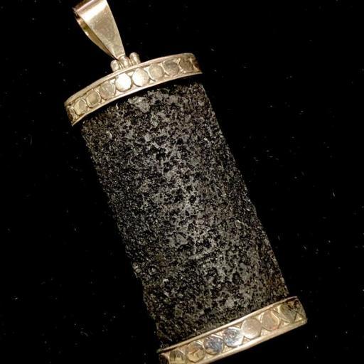Colgante Lava & Plata de Ley 925  - 4,5x2cm - Amuleto de Protección