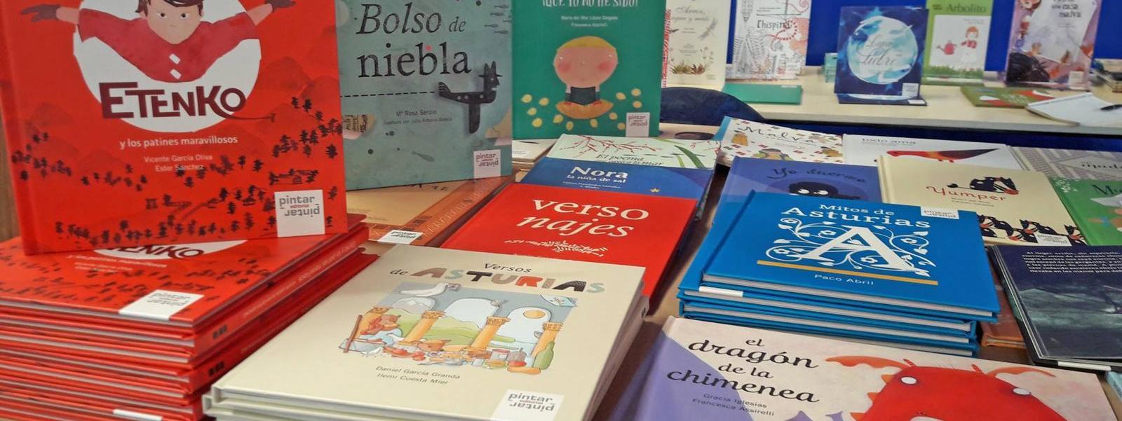 Pintar-Pintar en la II Feria del Libro de Luarca