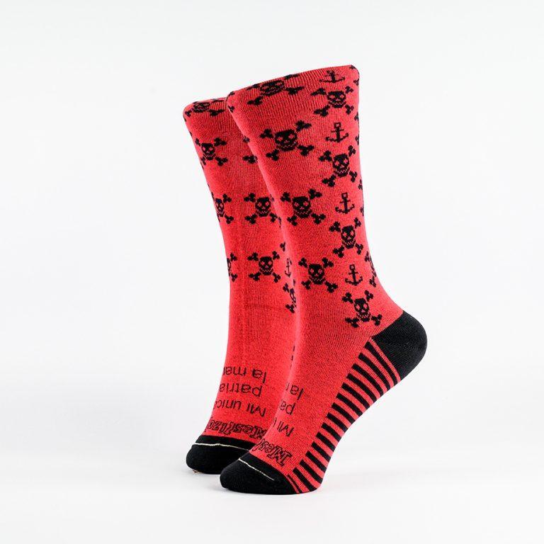 Calcetín calaveras rojo