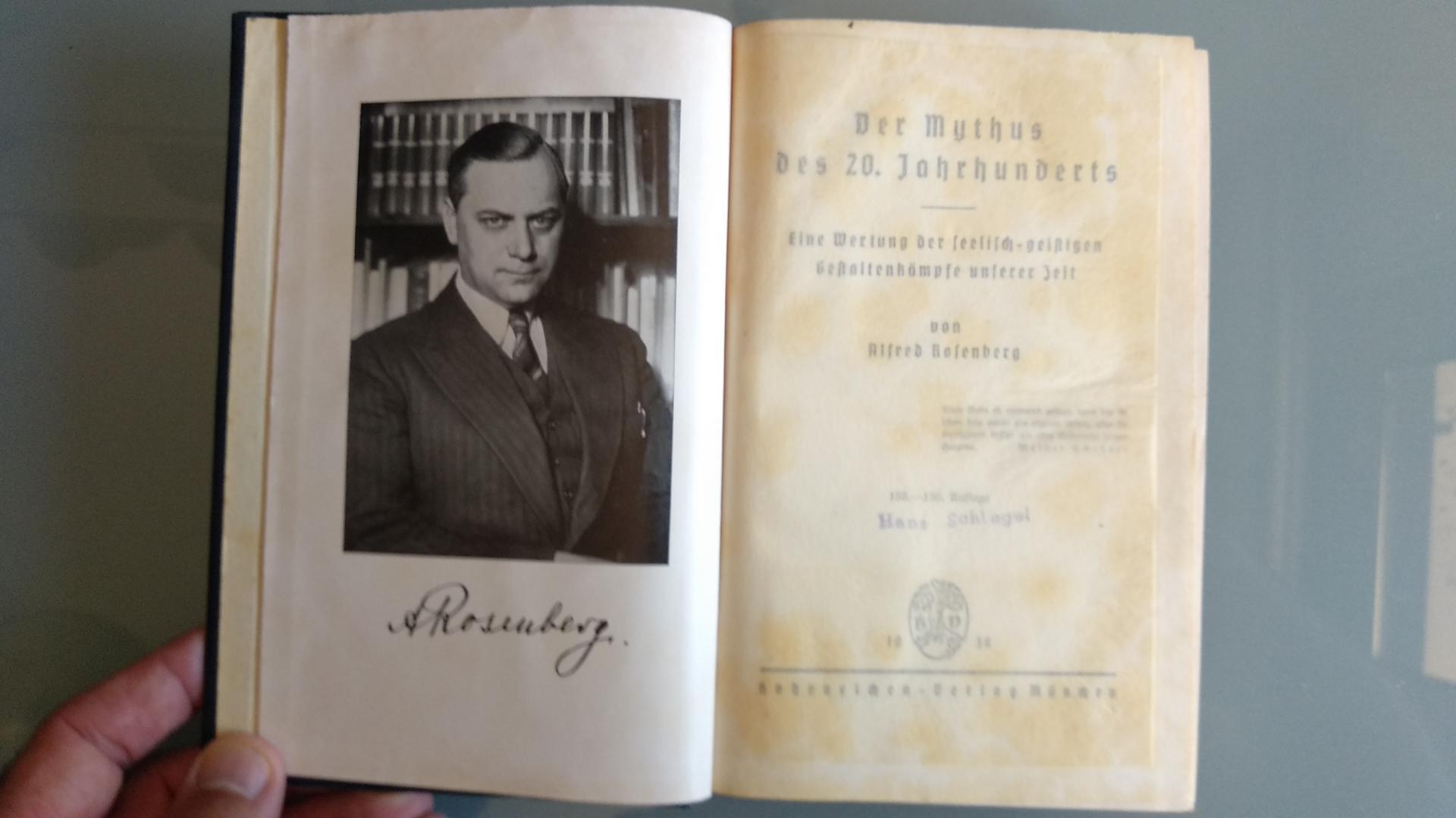 Libro Político, Alemania / WWII