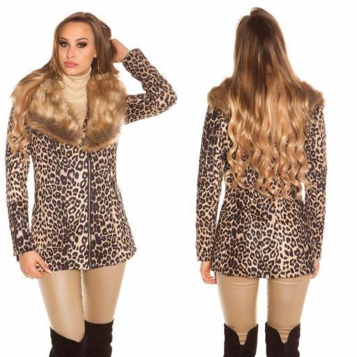 Abrigo corto leopardo de moda