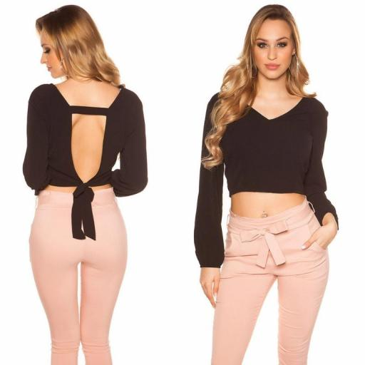 Blusa crop de color negro