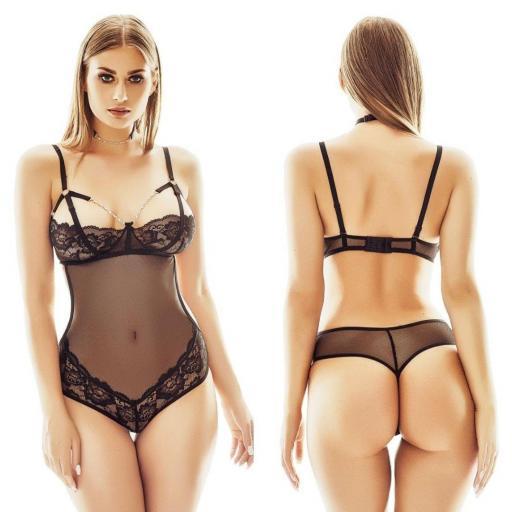 Body sugerente de corte sexy