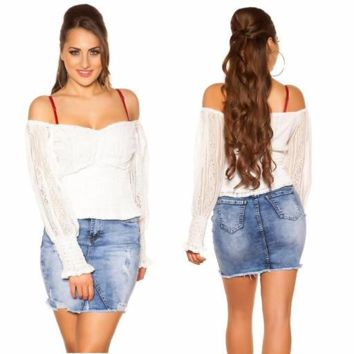 Camisa con encaje blanco off shoulder