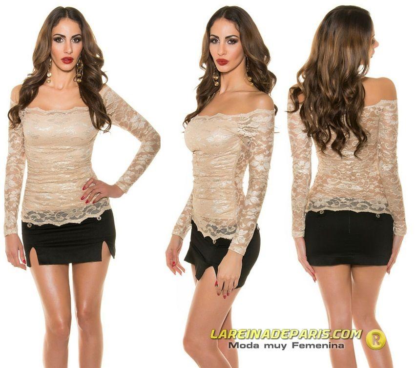 Camisa mujer atractiva de encaje