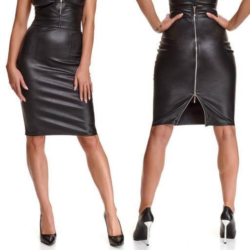 Falda en piel sintética suave elástica