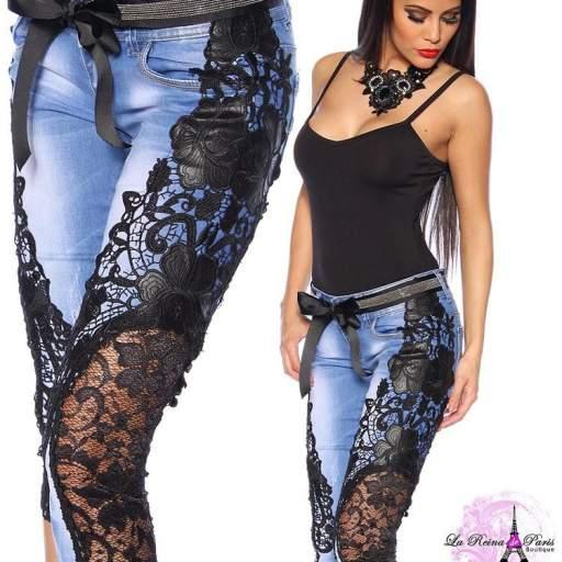 Jeans piratas con encaje Aysel negro