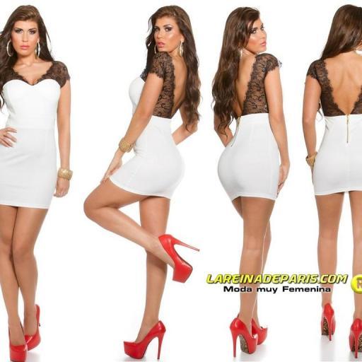 Mini vestido blanco con encaje transparente