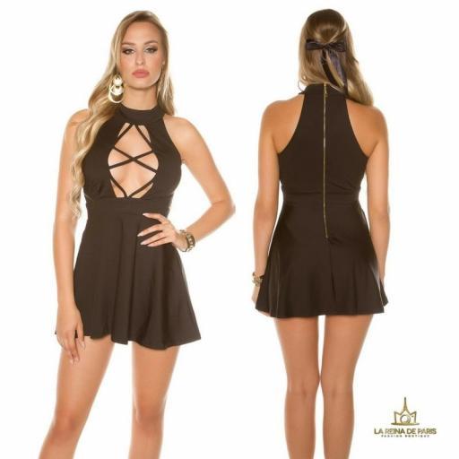 Mini vestido negro decoletté atractivo