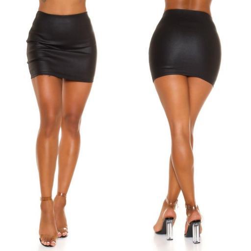 Minifalda imitación piel negra