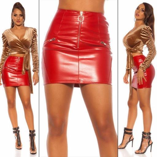 Minifalda de cuero sintético rojo