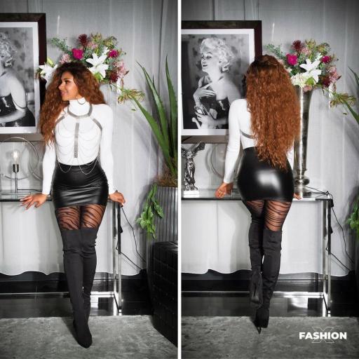 Minifalda ajustada cuero sintético negro [1]